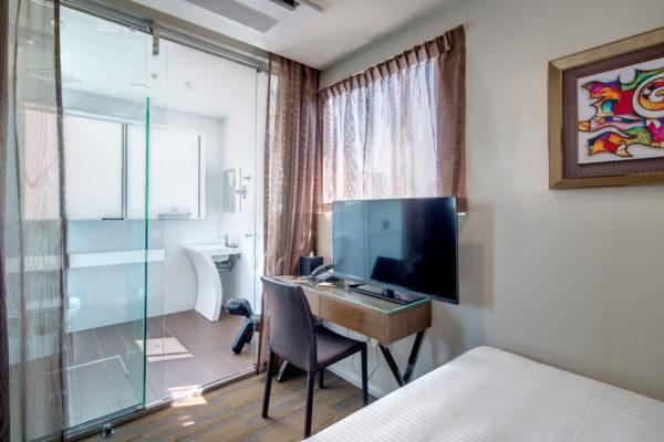 57 HOTEL 2015-03-11-225A-HR