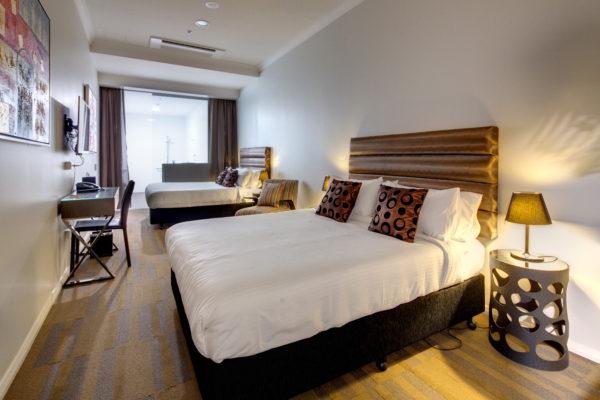 57 HOTEL 2015-03-11-575A-HR